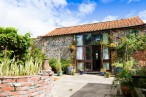 Ollands Farm Barn | Happisburgh -  Sleeps 2 + sofabed  Max Dogs: UNLIMITED