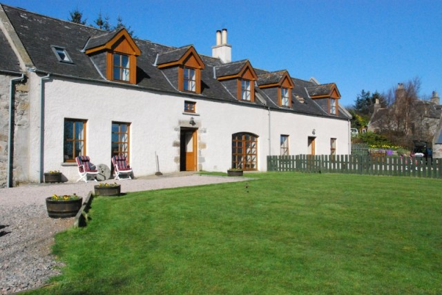 Moray Cottages - Dufftown, Aberdeenshire